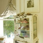 steyning-house-window