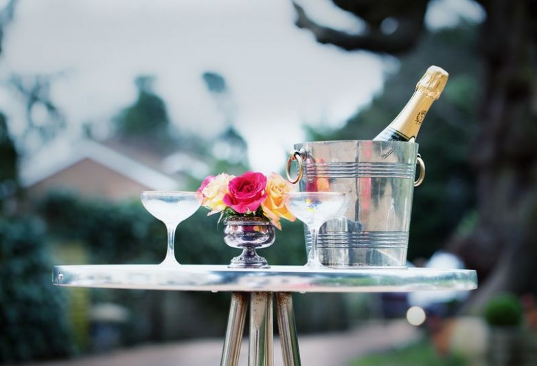 champagne table setting styling
